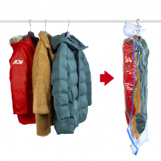 Vacuum bag for hanging garments